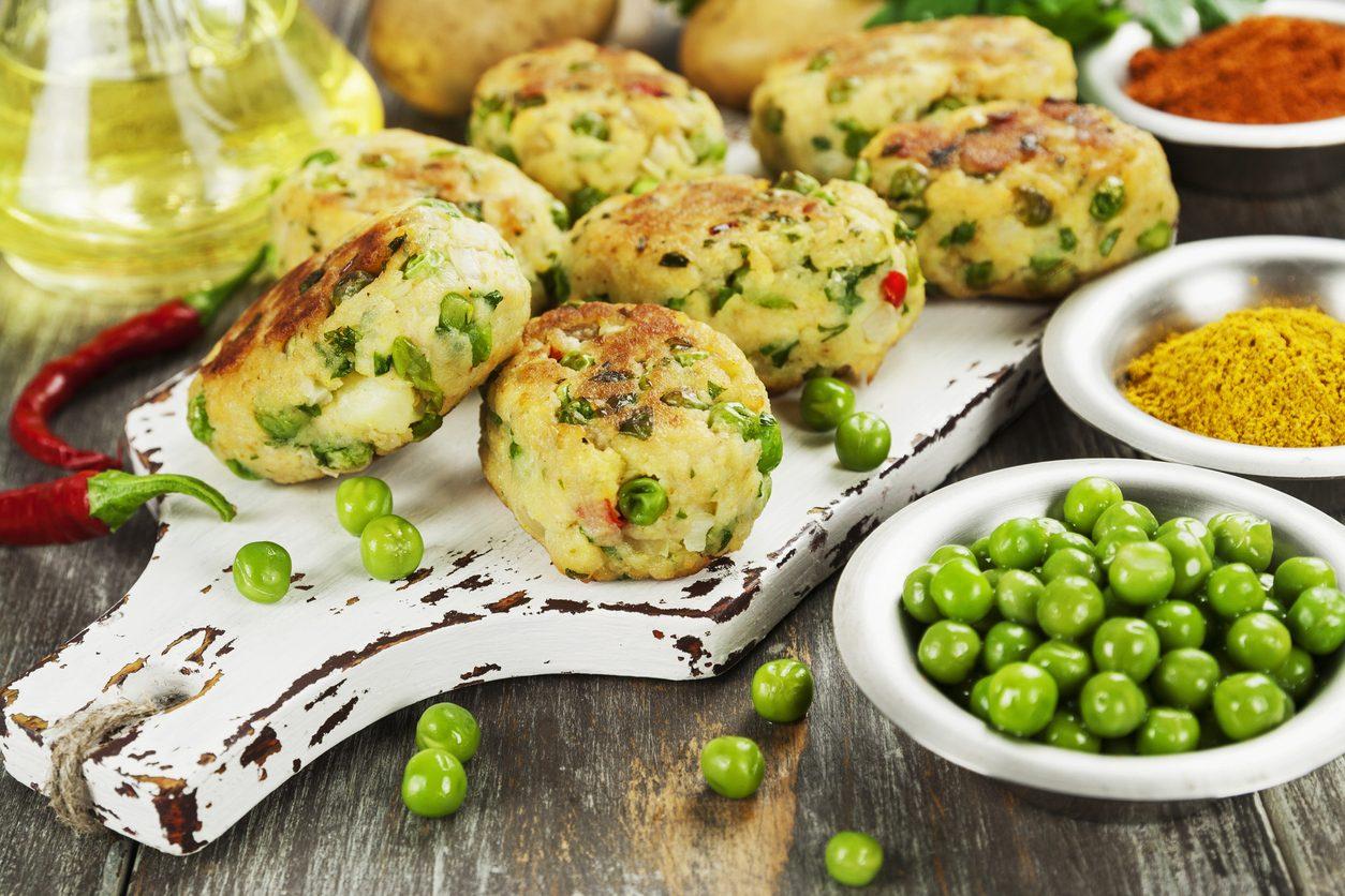 Burger di piselli: la ricetta del secondo piatto vegetariano semplice e saporito