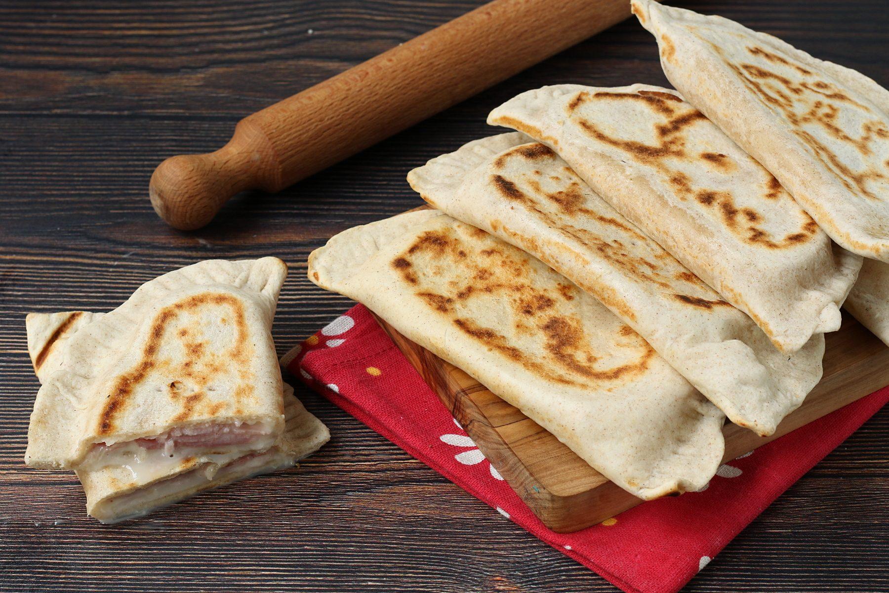 Crescione romagnolo: la ricetta golosa e super veloce da cuocere in padella