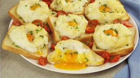 Nuvole di uova: la ricetta del secondo piatto al forno facilissimo e veloce