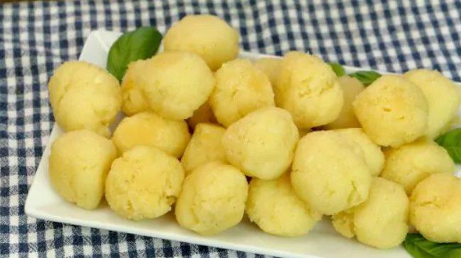 Palline di patate: la ricetta golosa e versatile, pronta in pochissimi minuti