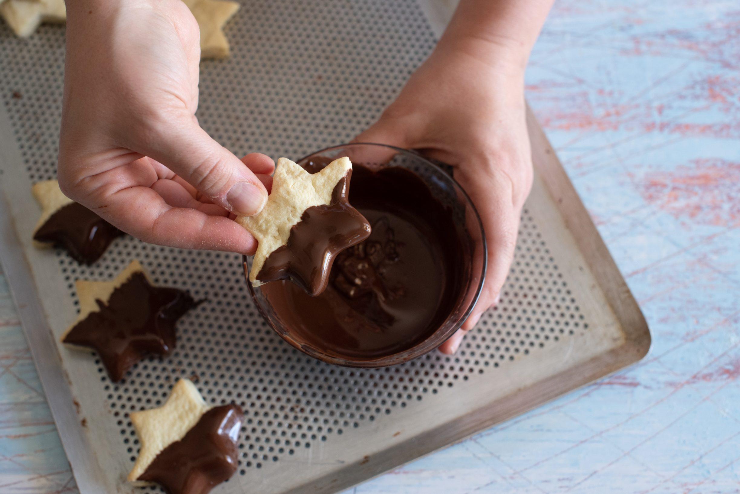 Stelline di frolla e cioccolato