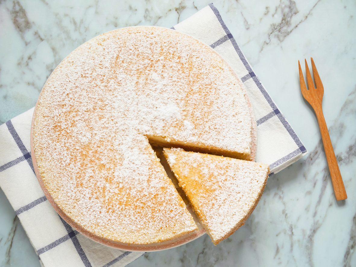 Torta alla vaniglia: la ricetta del dolce sofficissimo per la colazione o la merenda