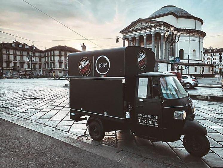 A Torino e Roma la colazione te la porta un'Apecar