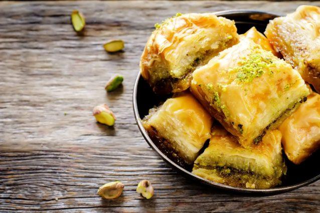 La storia della Baklava: la dolce specialità mediorientale contesa tra Grecia e Turchia