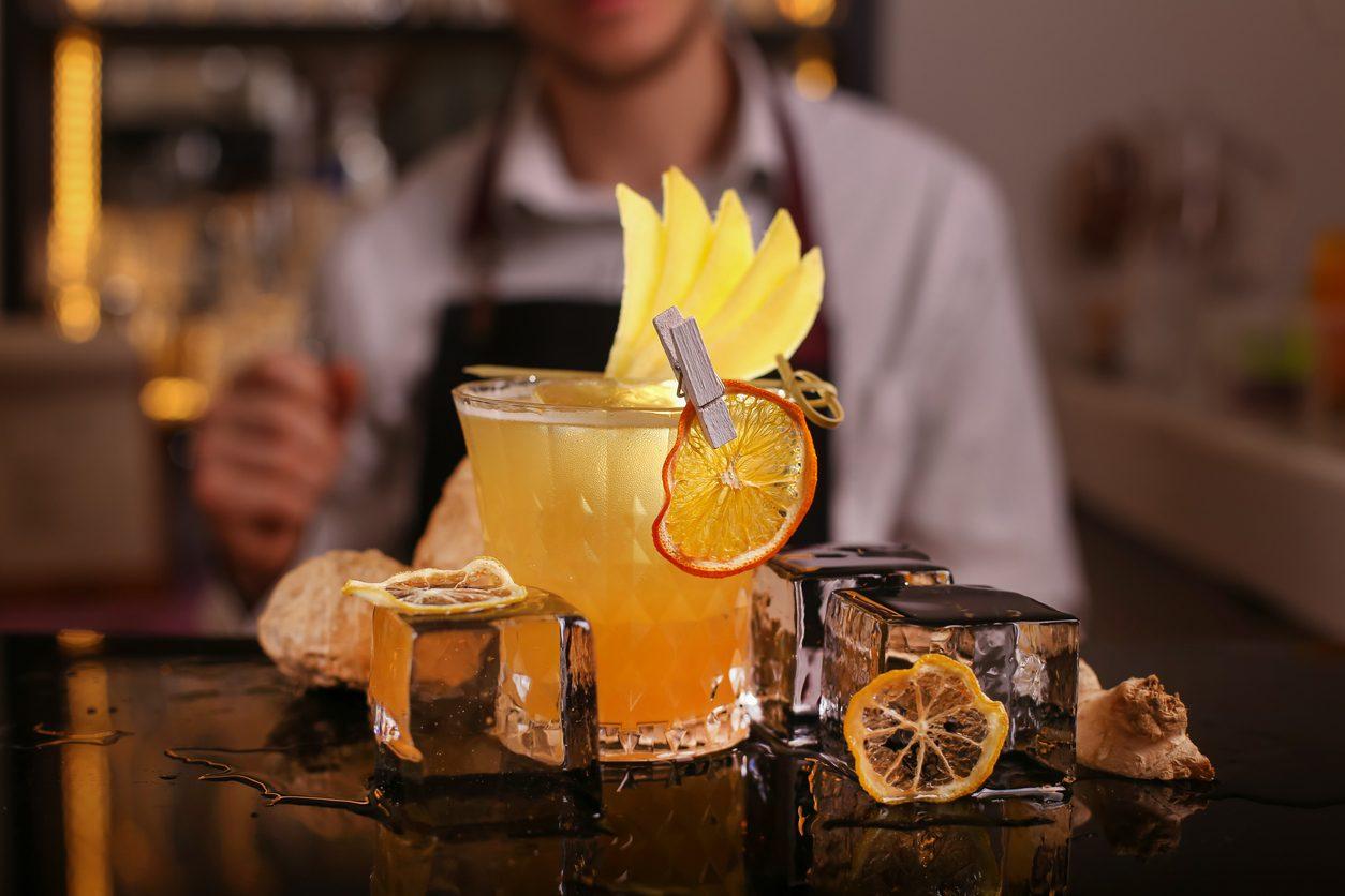 Penicillin cocktail: la ricetta per preparare il drink allo zenzero e miele