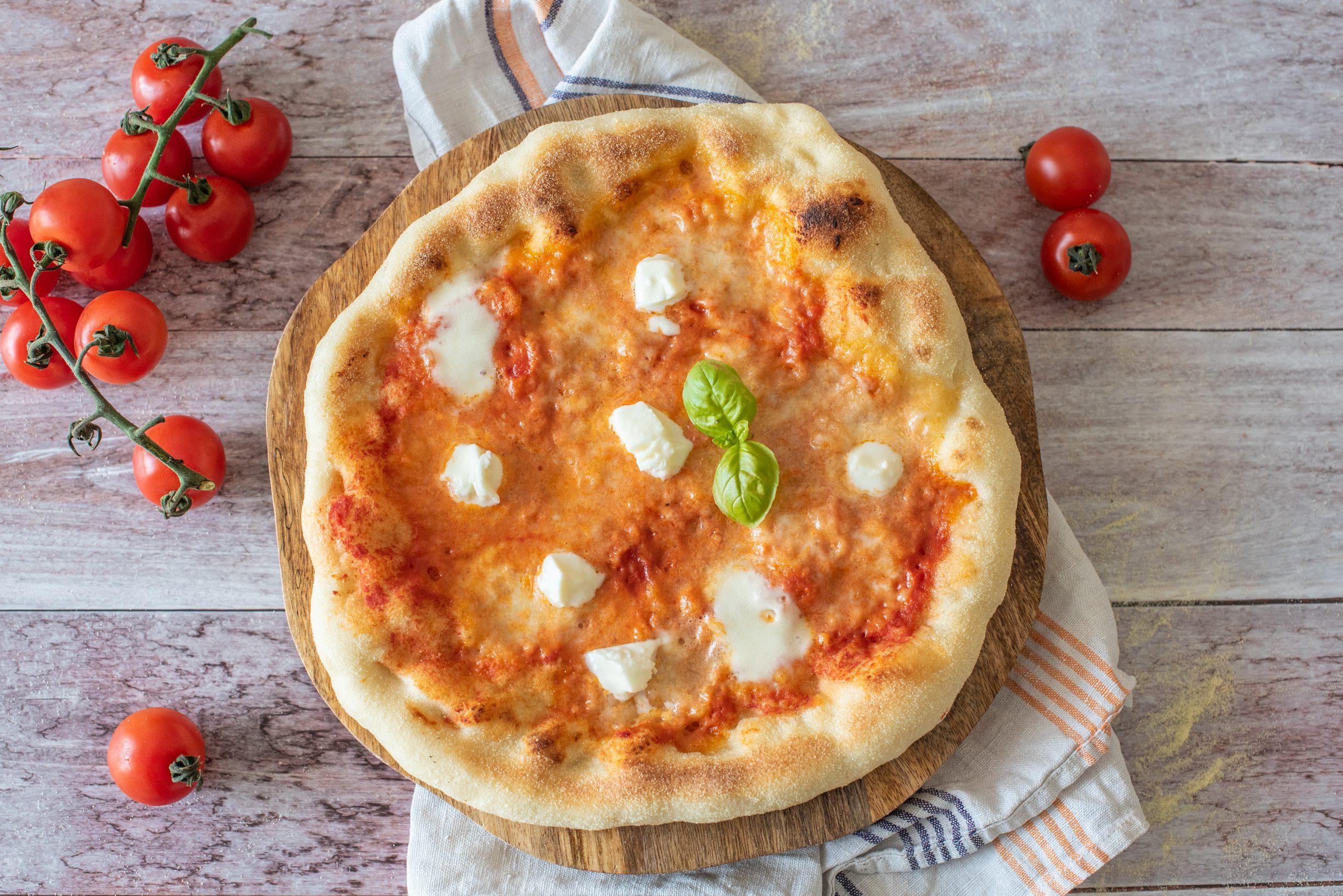 Pizza doppia cottura: la ricetta speciale per fare la pizza come in pizzeria