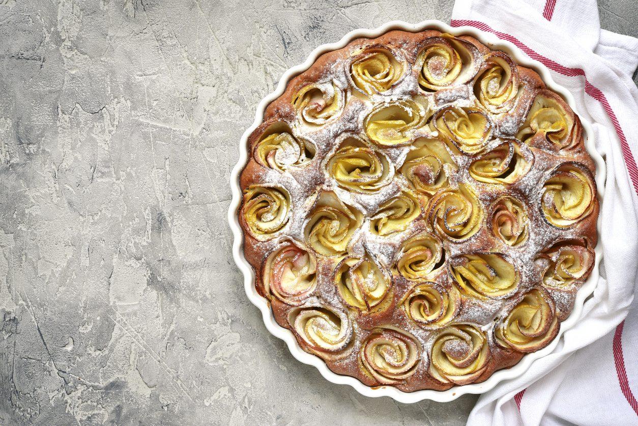 Torta di rose con il lievito madre: la ricetta per un dolce gonfio e soffice
