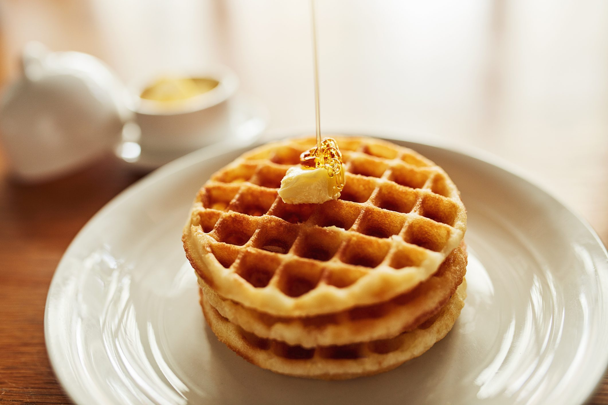 Waffle, il dolce che cammina sul fiume Reno. Storia, varianti e differenze tra le cialde