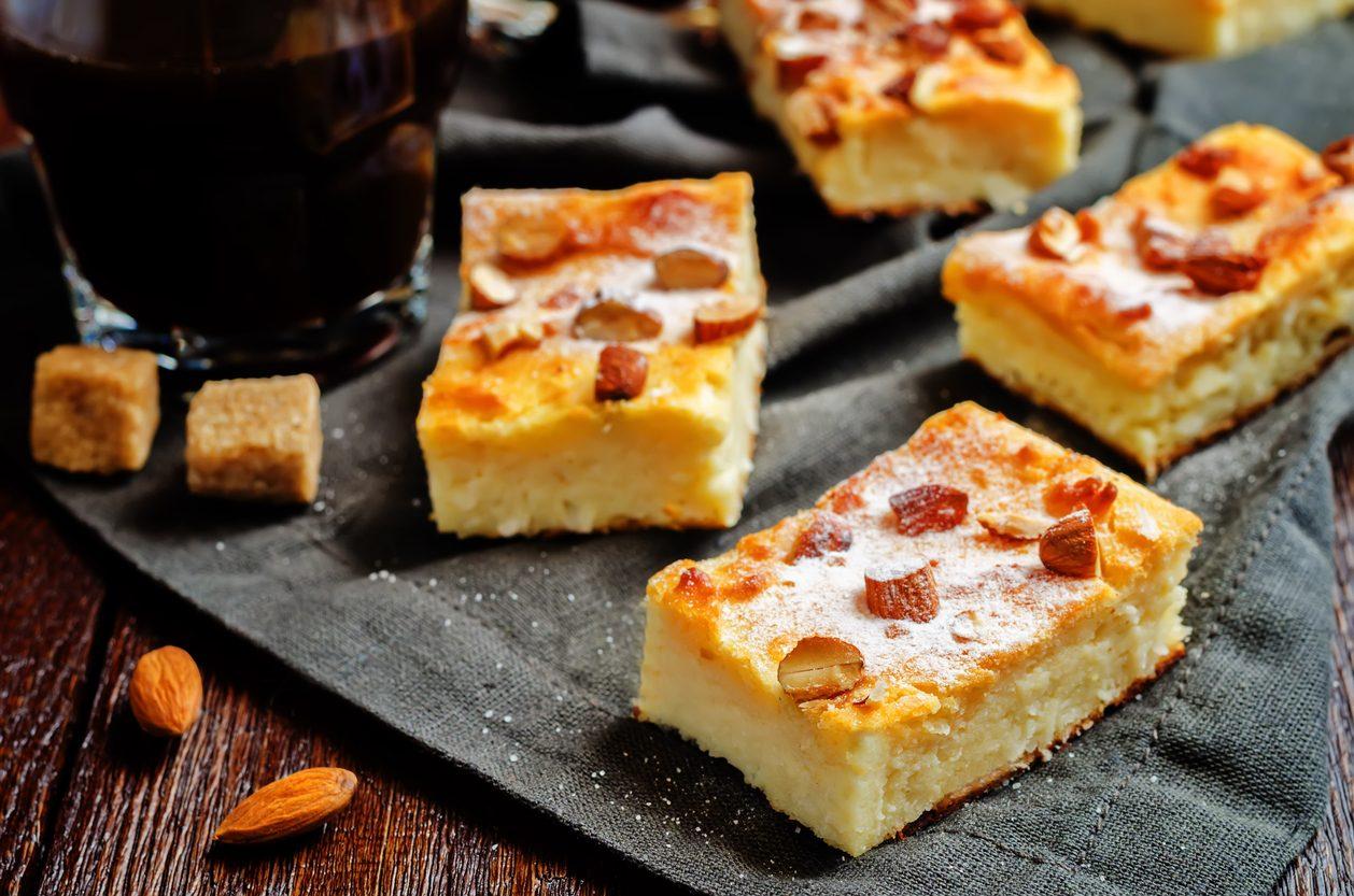 Torta ricotta e mandorle: la ricetta del dolce morbido e profumato senza farina