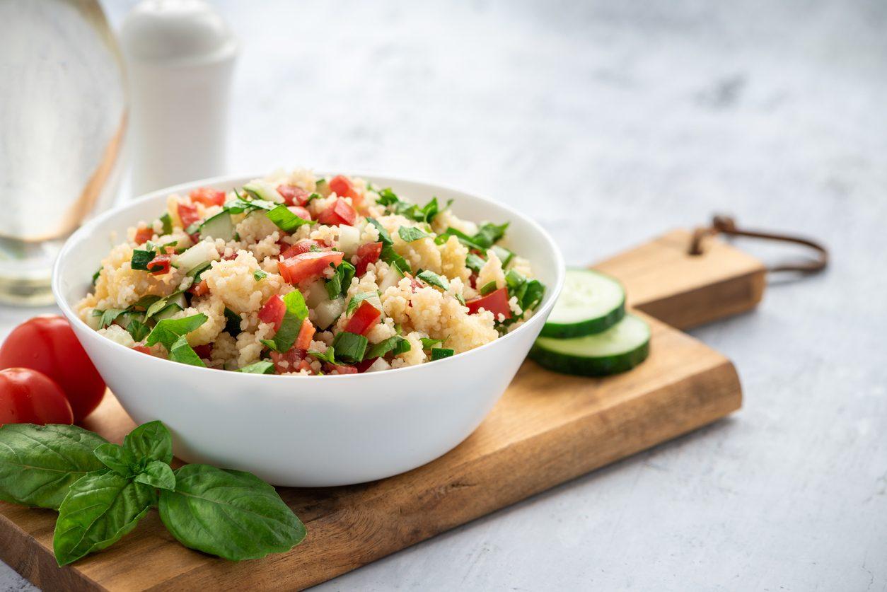 Insalata di bulgur con verdure: la ricetta per un piatto estivo originale e gustoso