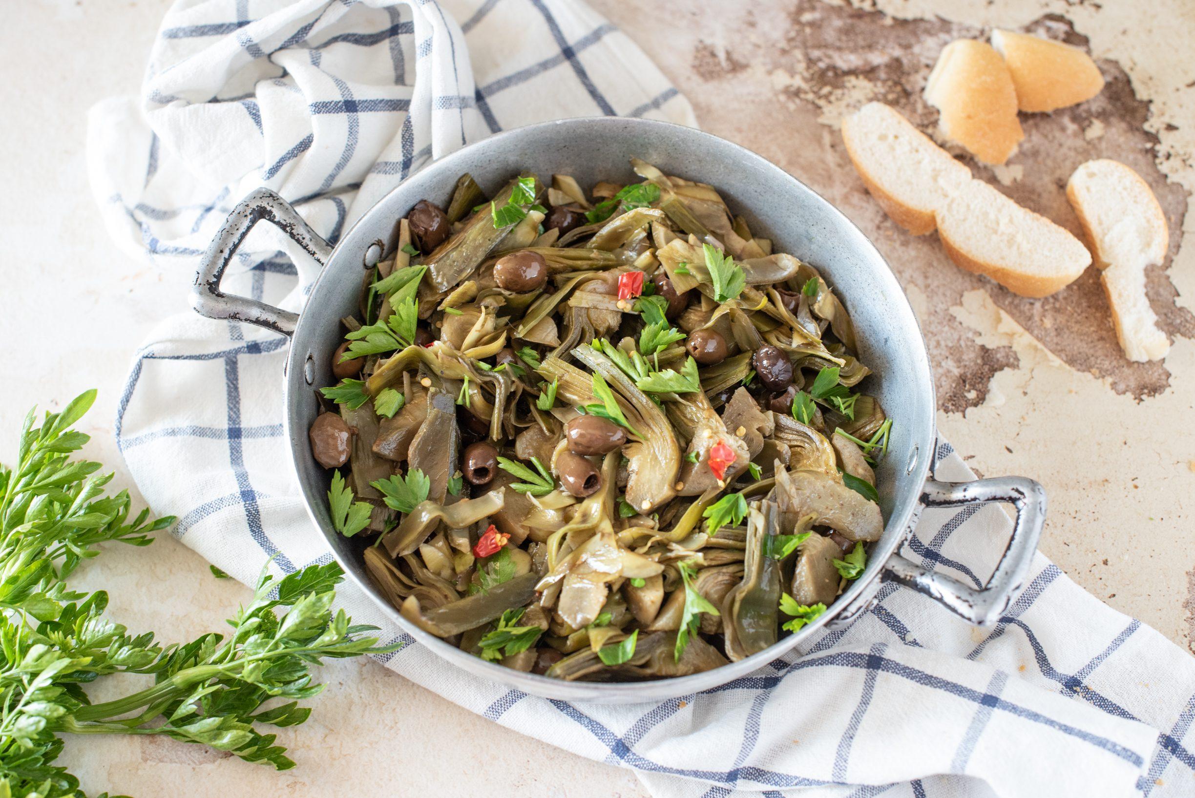 Carciofi affogati: la ricetta del contorno napoletano gustoso e facilissimo da realizzare