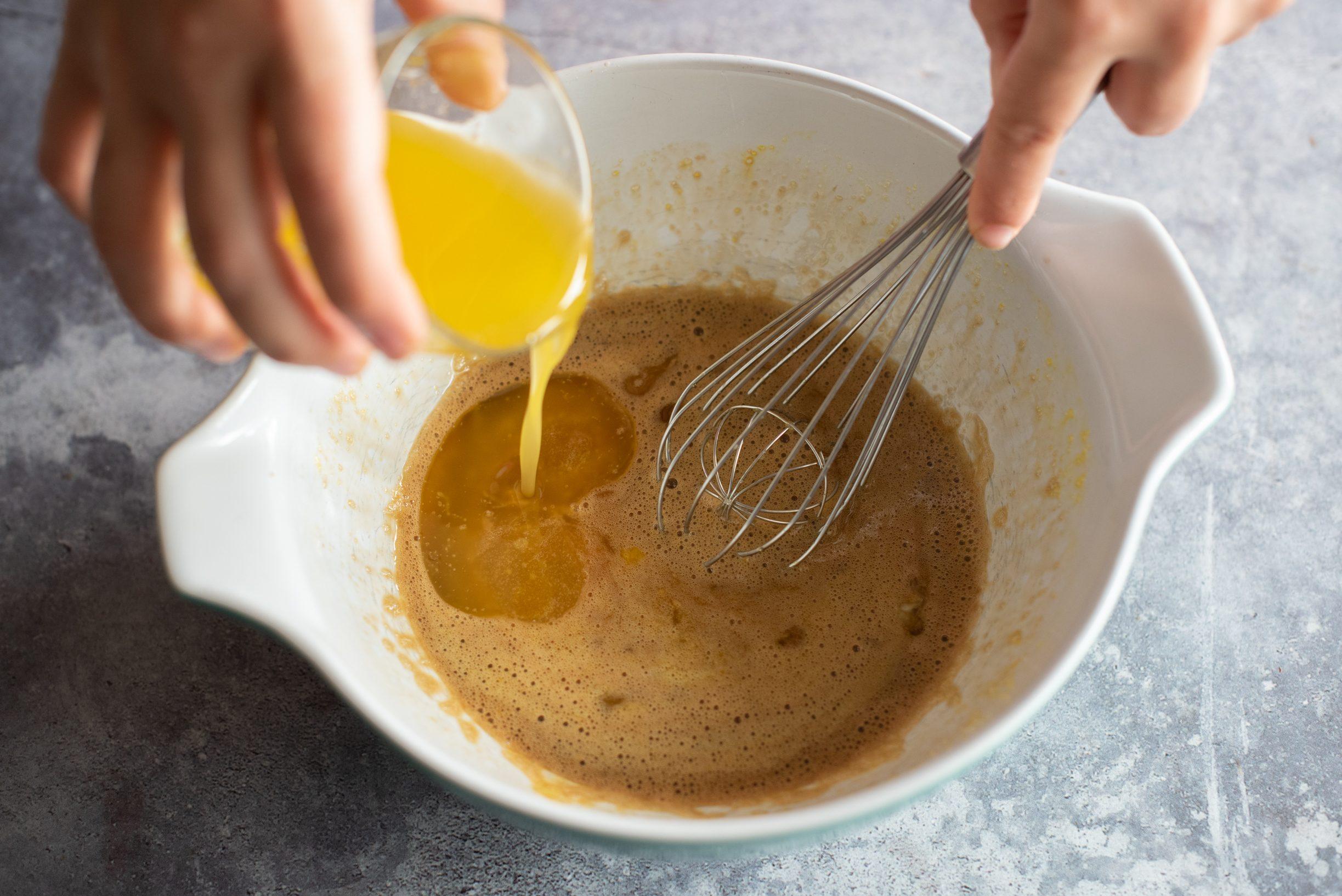 Crostata morbida al tiramisù, aggiungere il burro fuso