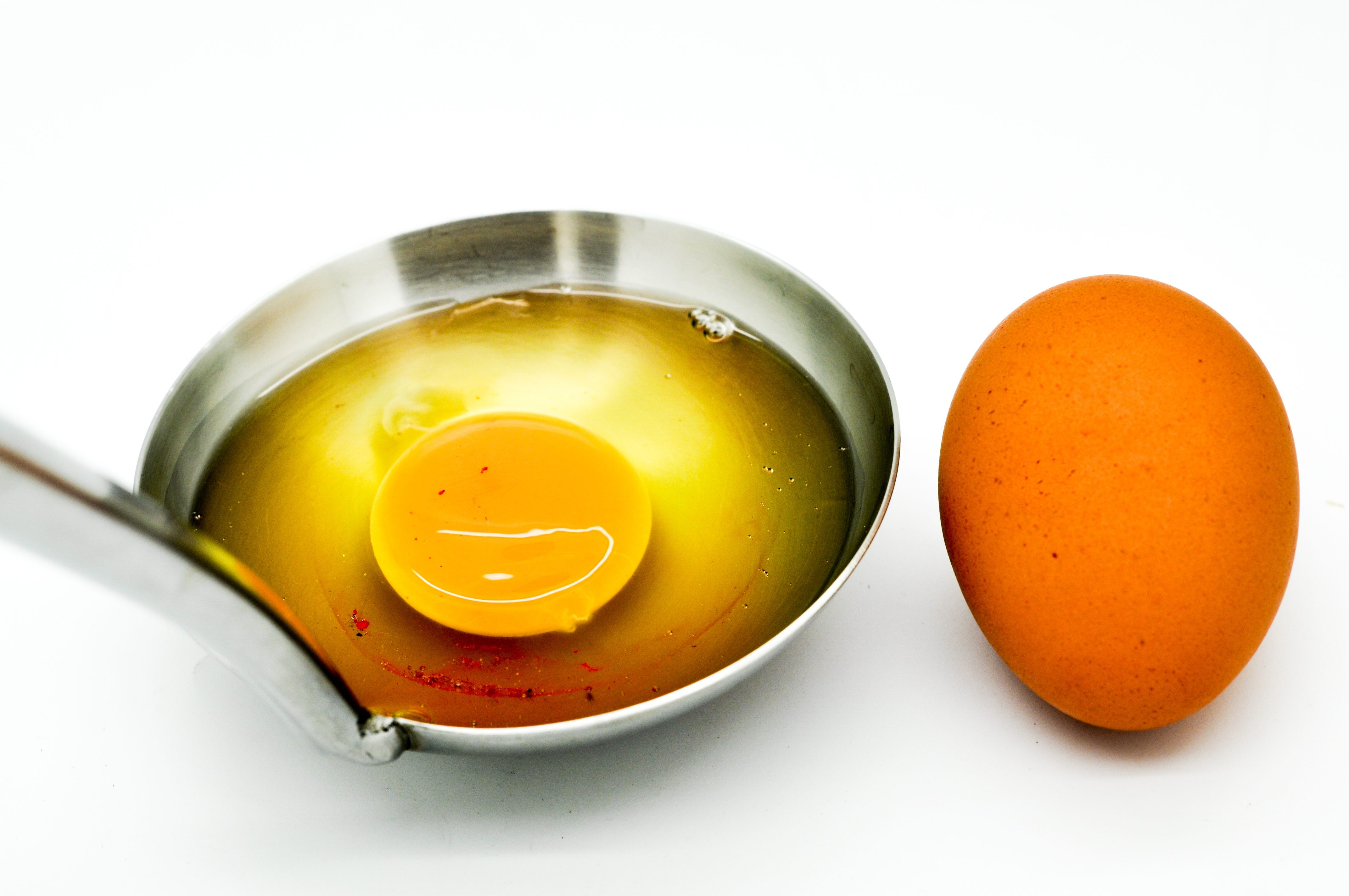 https://www.cookist.com/six-common-egg-myths-that-many-argue-are-factual-and-why-they-arent/