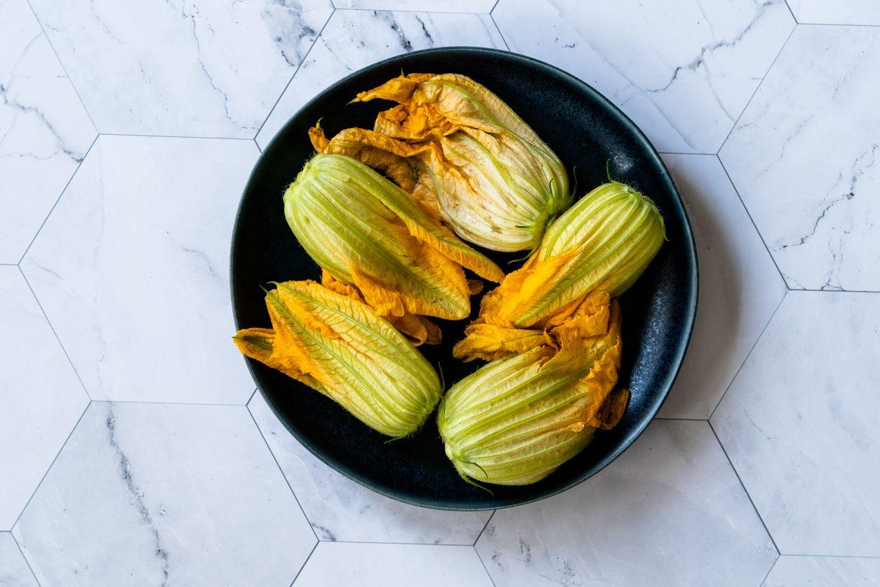 Come usare i fiori di zucca in cucina: 8 ricette da provare