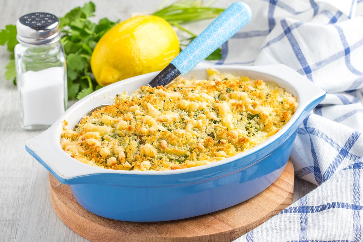 Patate al parmigiano: la ricetta per prepararle croccanti e gustose