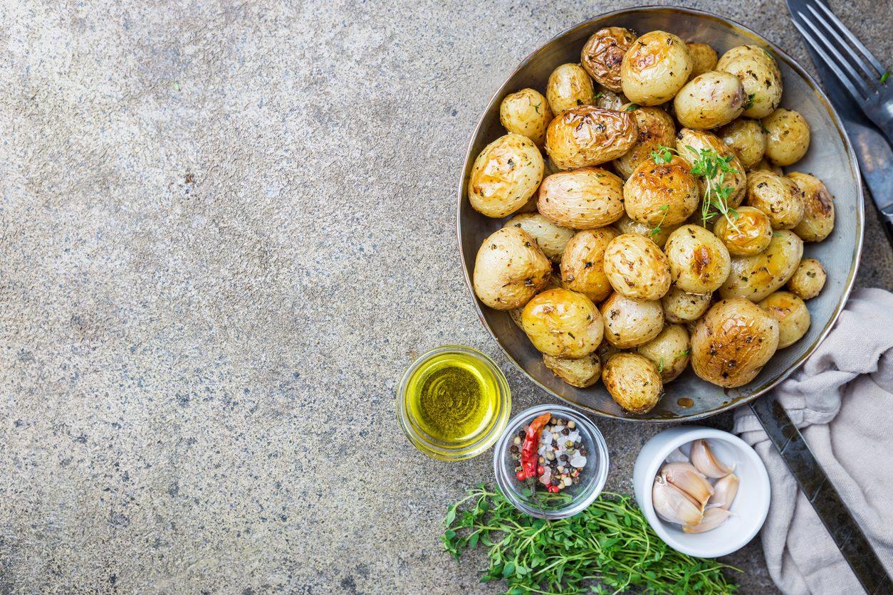 Patate novelle: caratteristiche, come trattarle e 5 ricette per usarle al meglio