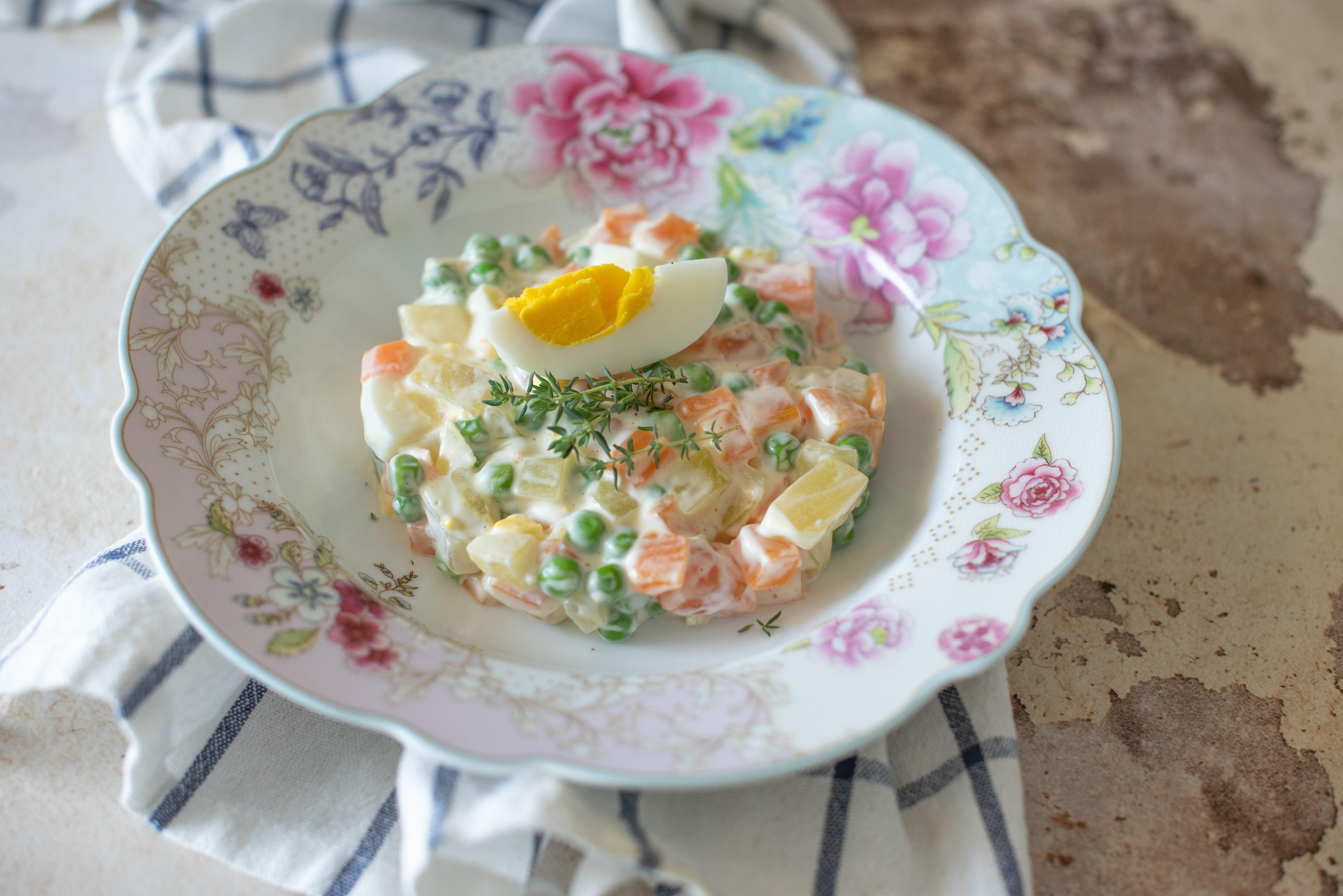 Tartare di insalata russa: la ricetta dell'antipasto creativo ed elegante
