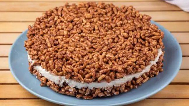 Cheesecake con riso soffiato: la ricetta con mascarpone e crema di nocciole