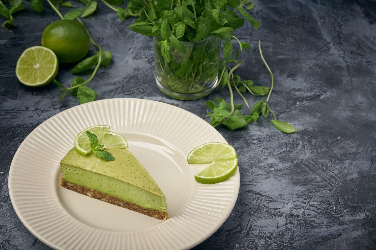 Cheesecake mojito: la ricetta della mojito cheesecake fresca e cremosa senza cottura