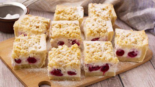 Crostata ricotta e ciliegie: la ricetta del dolce cremoso e profumato