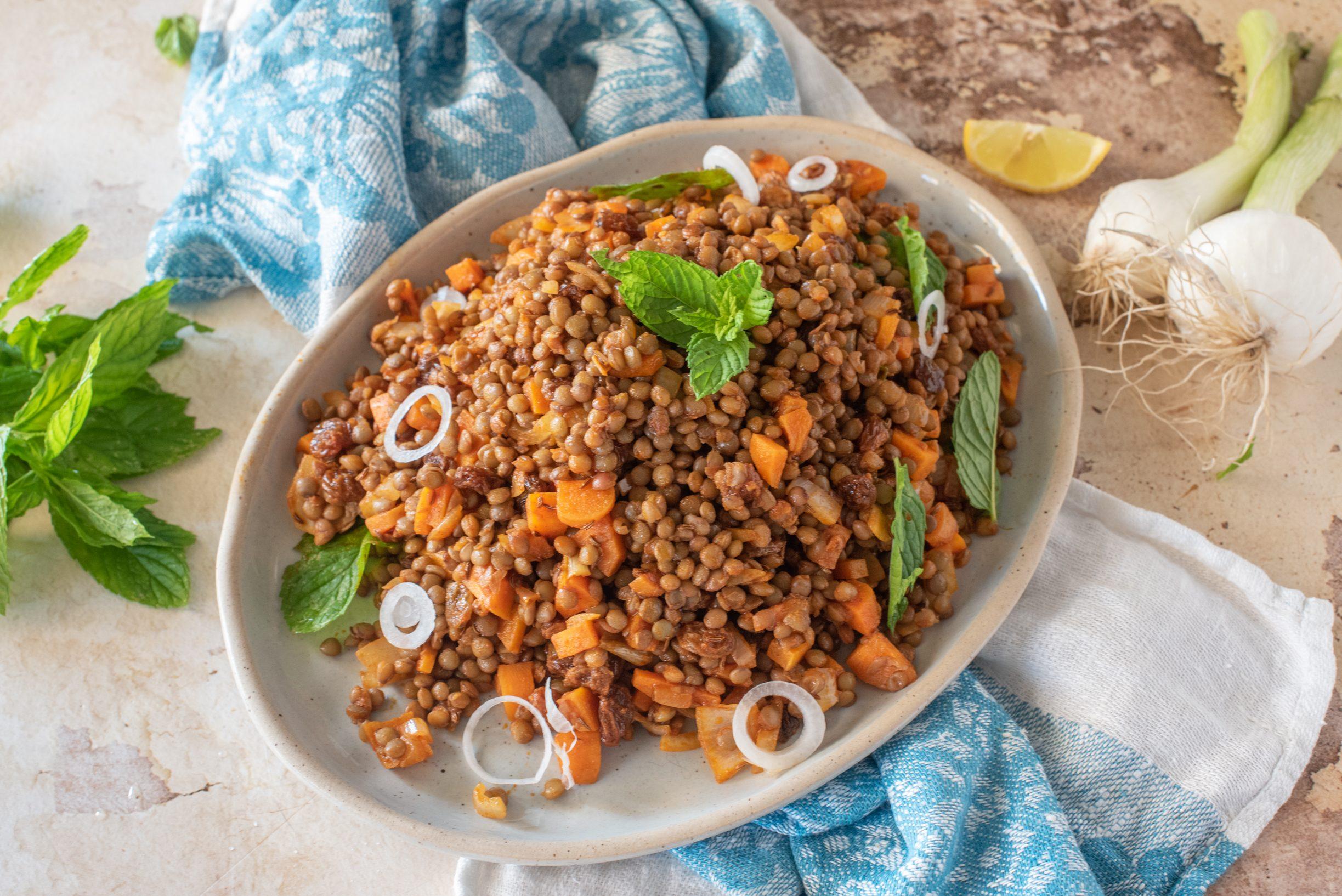 Insalata di lenticchie alla marocchina: la ricetta del piatto estivo e mediterraneo