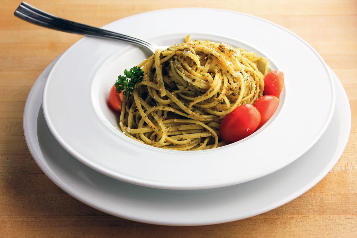 Pasta alla trapanese: la ricetta del primo piatto semplice e saporito
