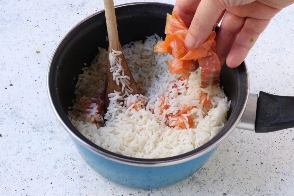 aggiungere il salmone affumicato