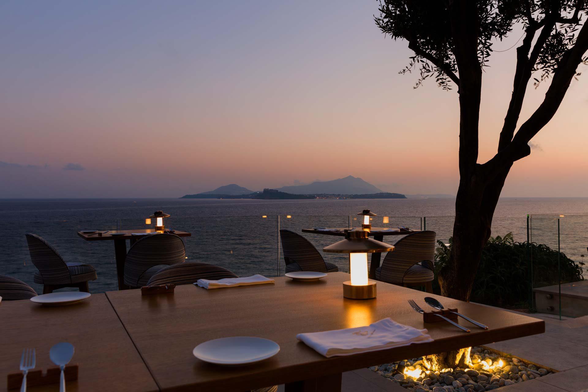 Ristoranti sul mare a Napoli e dintorni: i migliori 15 da provare per tutte le tasche