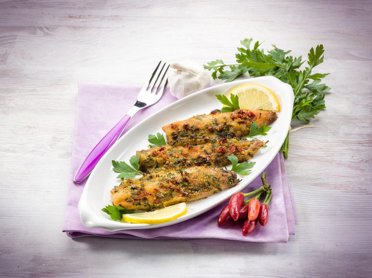 Filetti di orata gratinati: la ricetta di un secondo piatto di pesce fresco e leggero