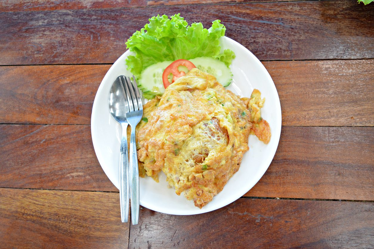 Frittata di riso: la ricetta gustosa e anti spreco per riutilizzare il risotto avanzato