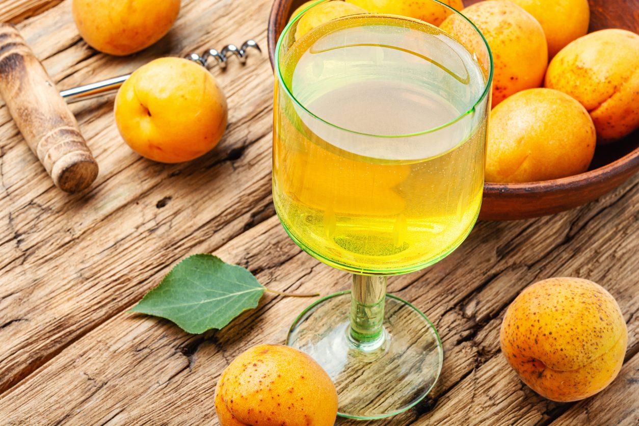 Liquore di albicocche: la ricetta del digestivo profumato