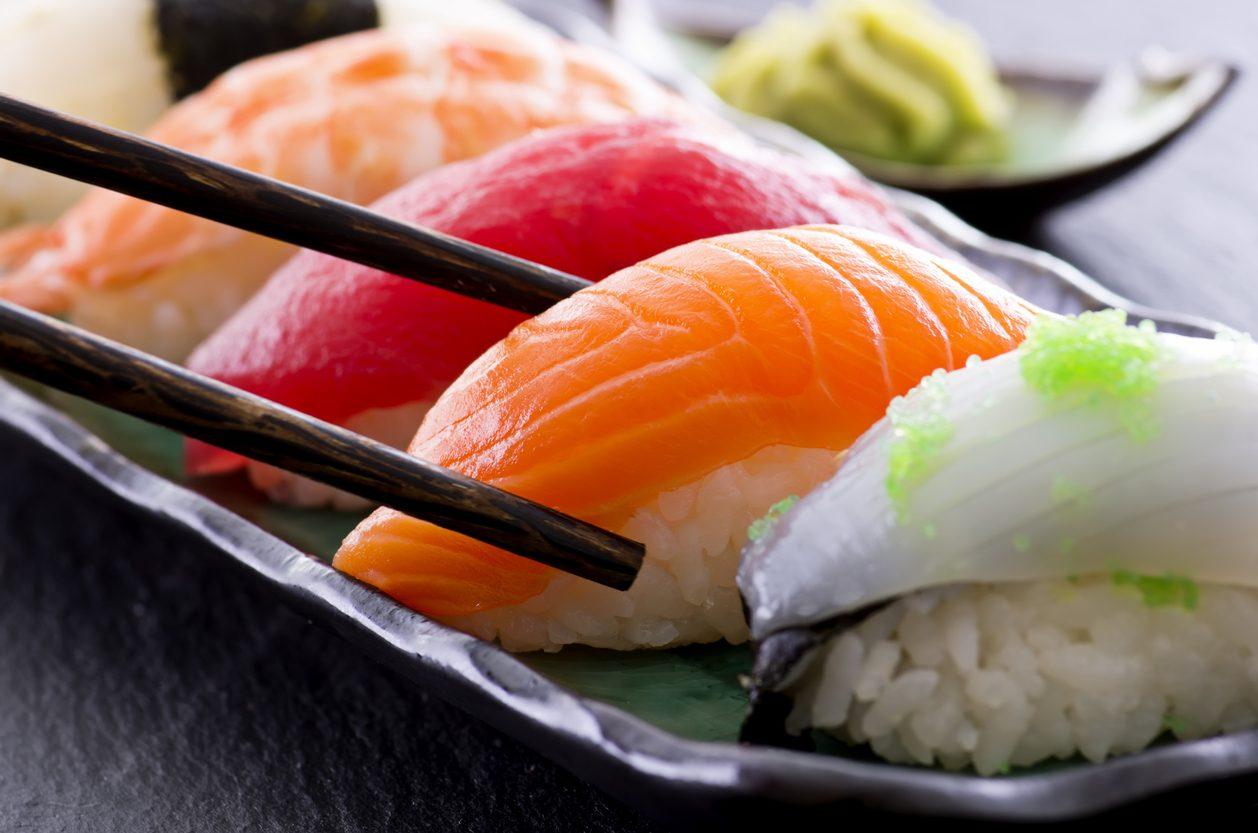 Come riconoscere se il sushi è fresco: attenzione all'aspetto fisico