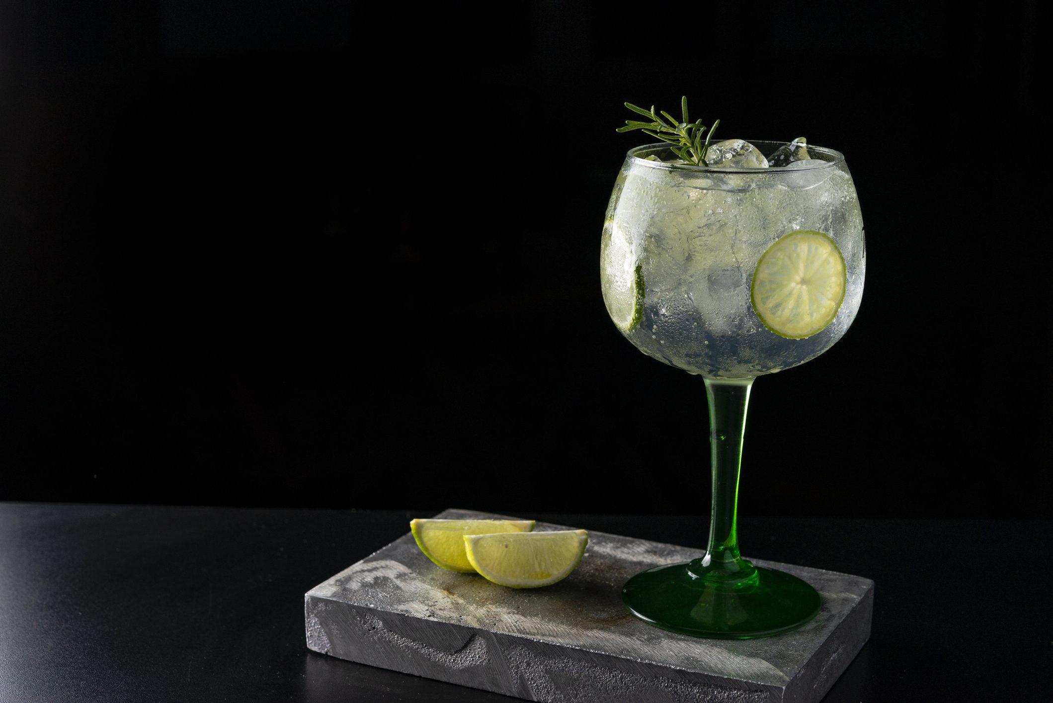 Oggi è il World Gin Day: 4 ricette per un gin & tonic perfetto