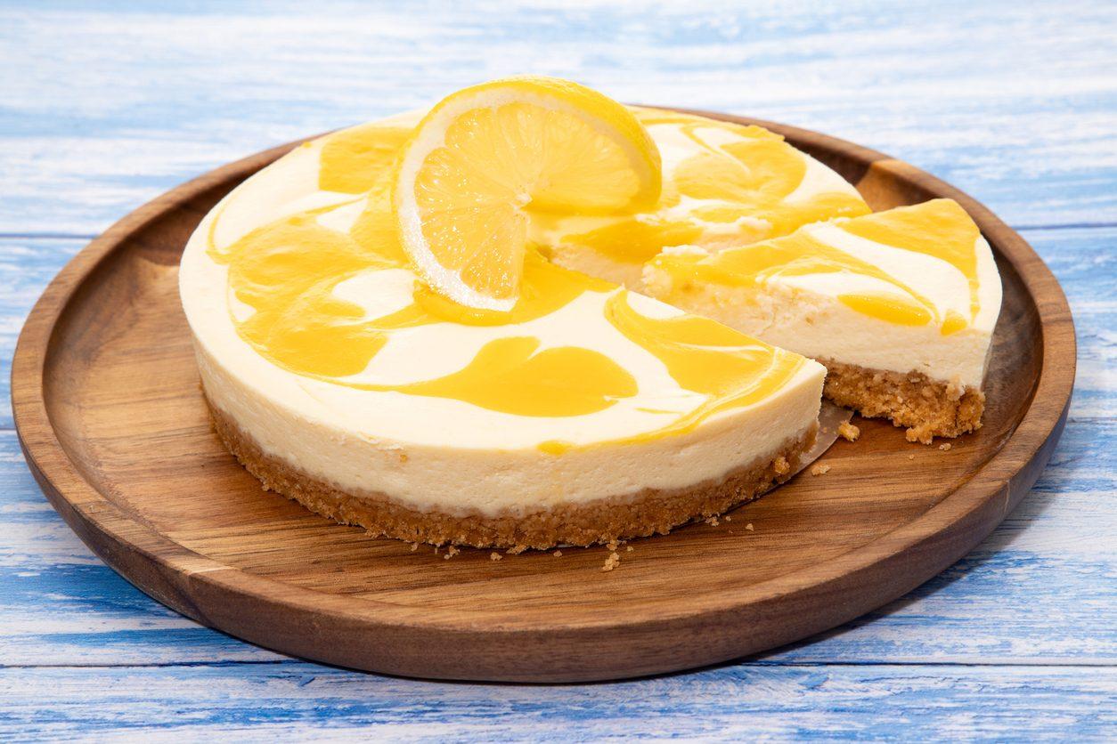 Cheesecake al limone e cioccolato bianco: la ricetta senza cottura fresca e deliziosa