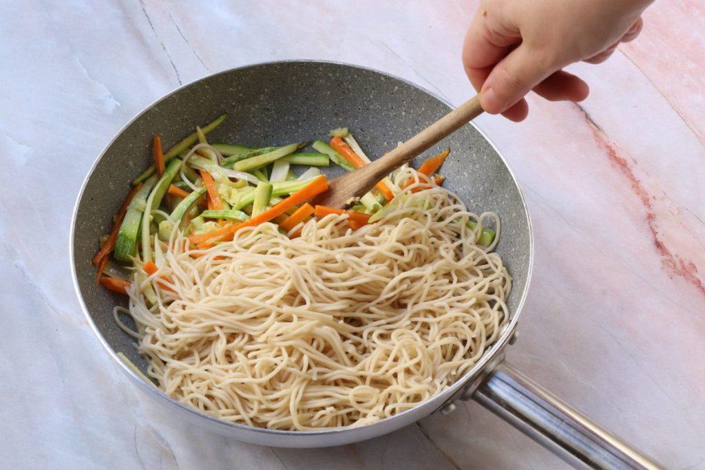 Saltare i noodles