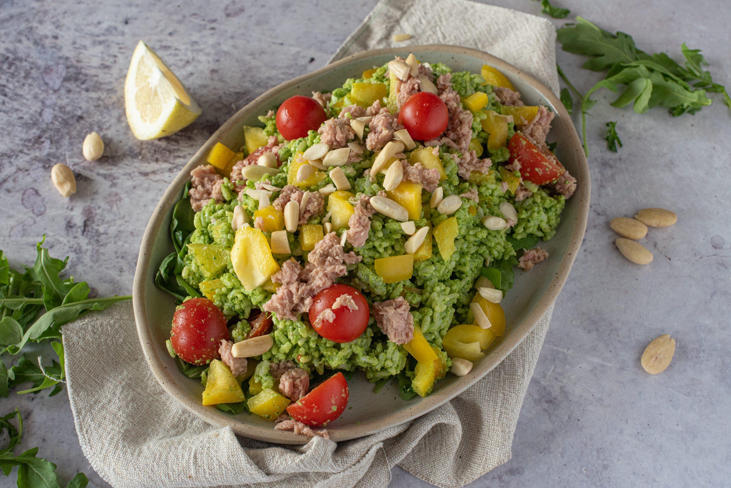 Riso freddo al pesto di rucola: la ricetta dell'insalata di riso gustosa e leggera