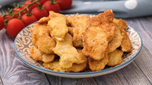Straccetti di tacchino impanati: la ricetta del secondo piatto semplice e saporito
