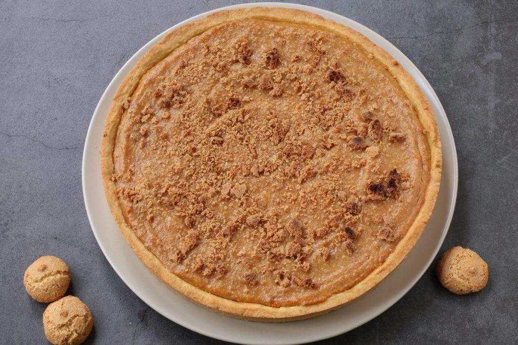 servire la torta ricotta e amaretti