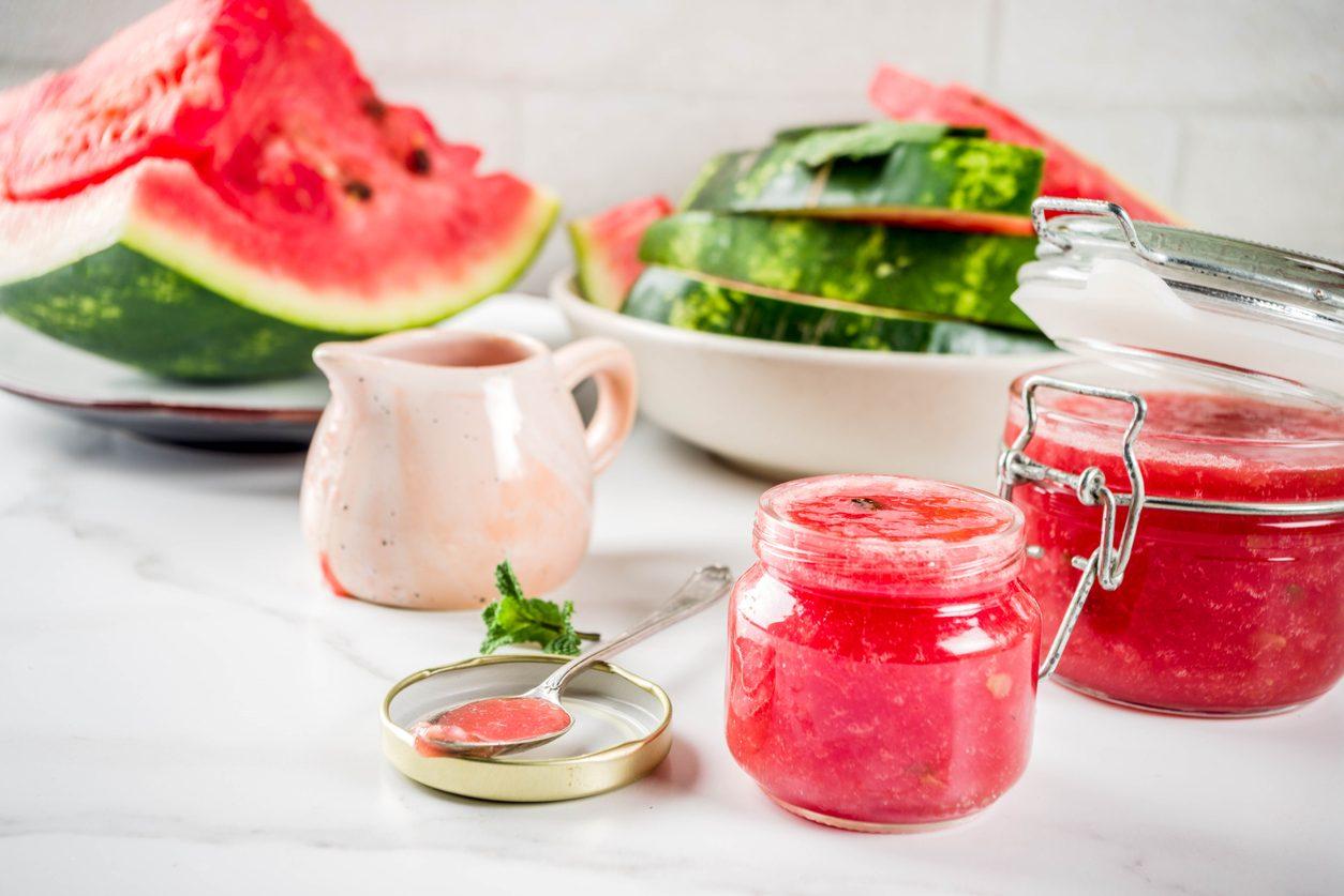 Crema di anguria: la ricetta per un dessert semplicissimo da sorseggiare d'estate