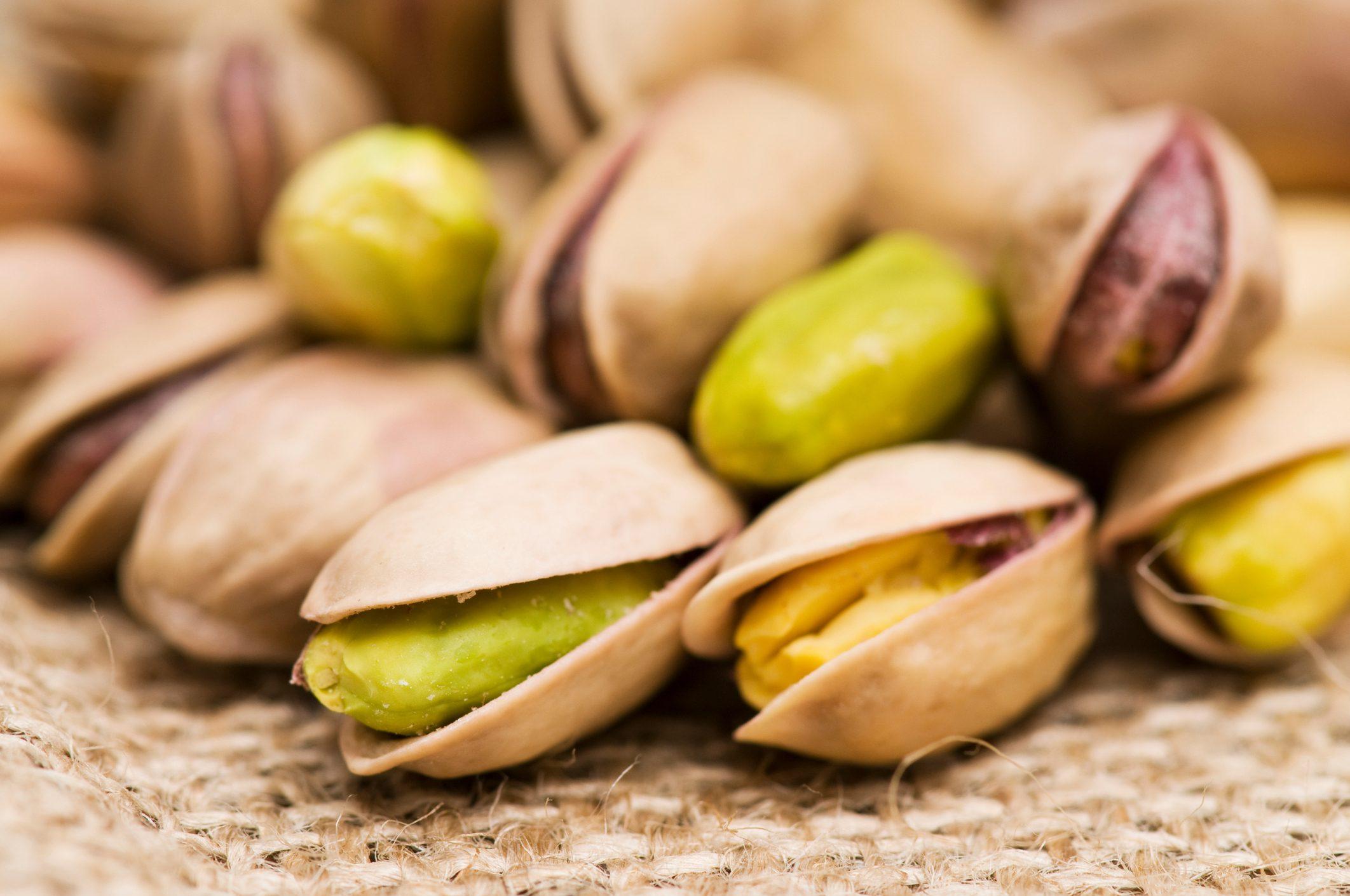 Adotta un albero di pistacchi e in cambio riceverai pasticcini e panettoni