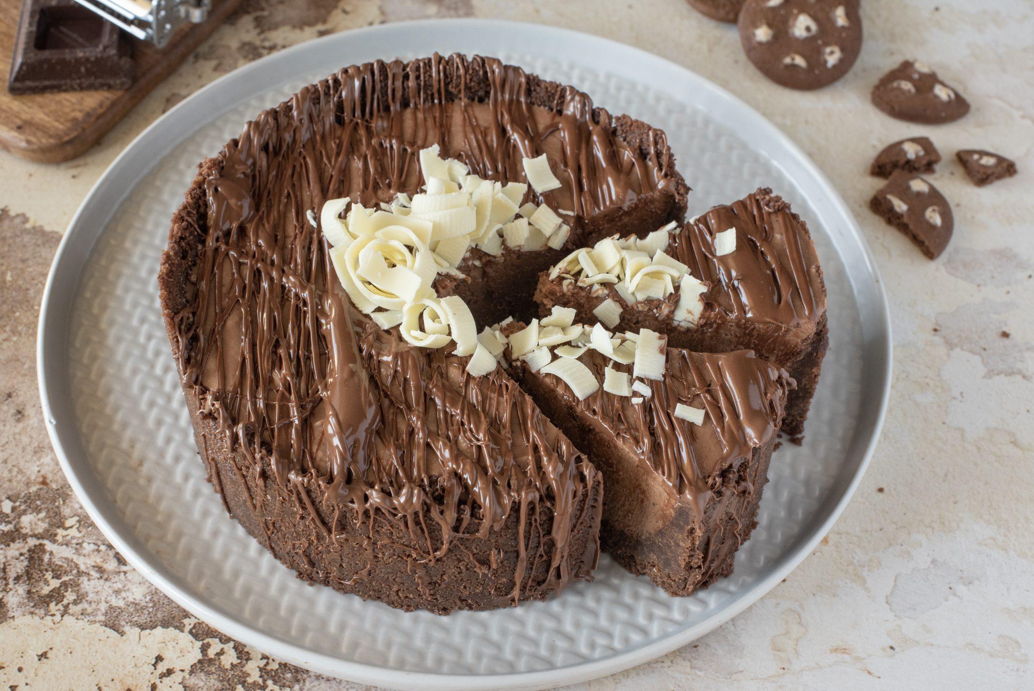 Cheesecake al cioccolato fondente: la ricetta del dessert facile e super godurioso
