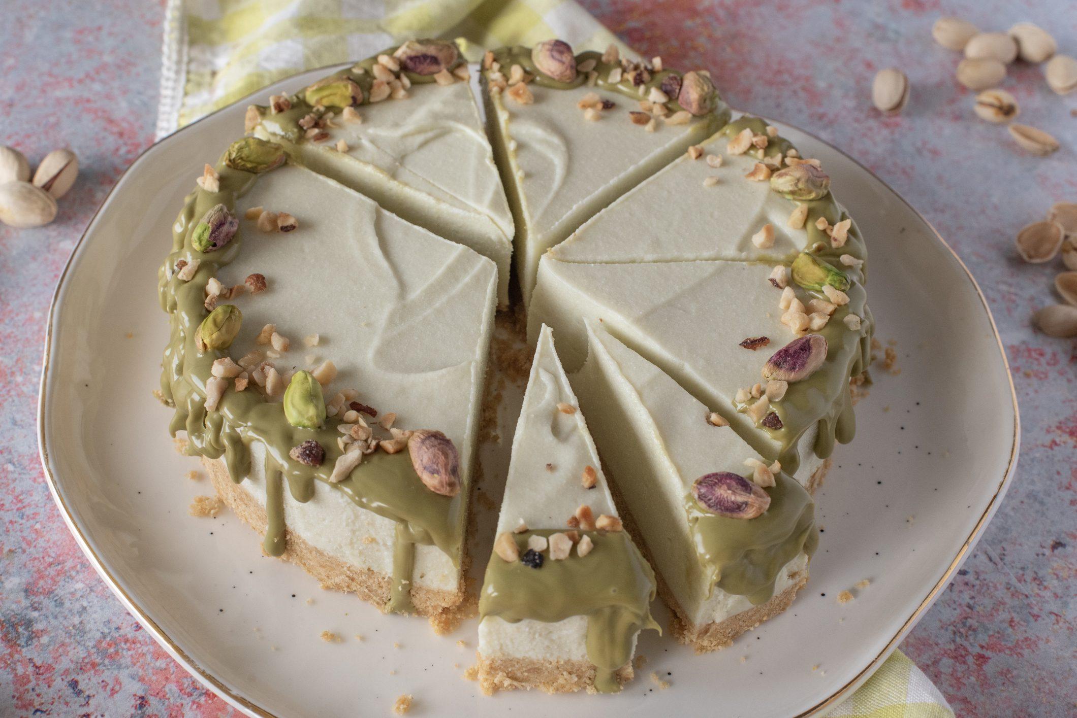 Cheesecake al pistacchio: la ricetta del dessert al cucchiaio fresco e cremoso