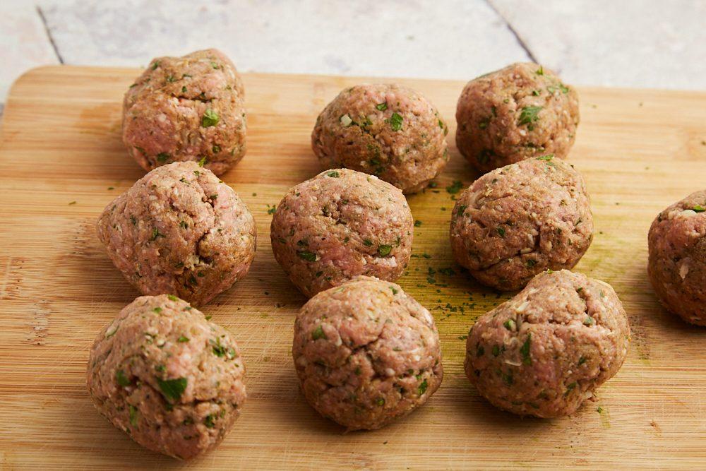 Kofta kebab, formare le polpettine