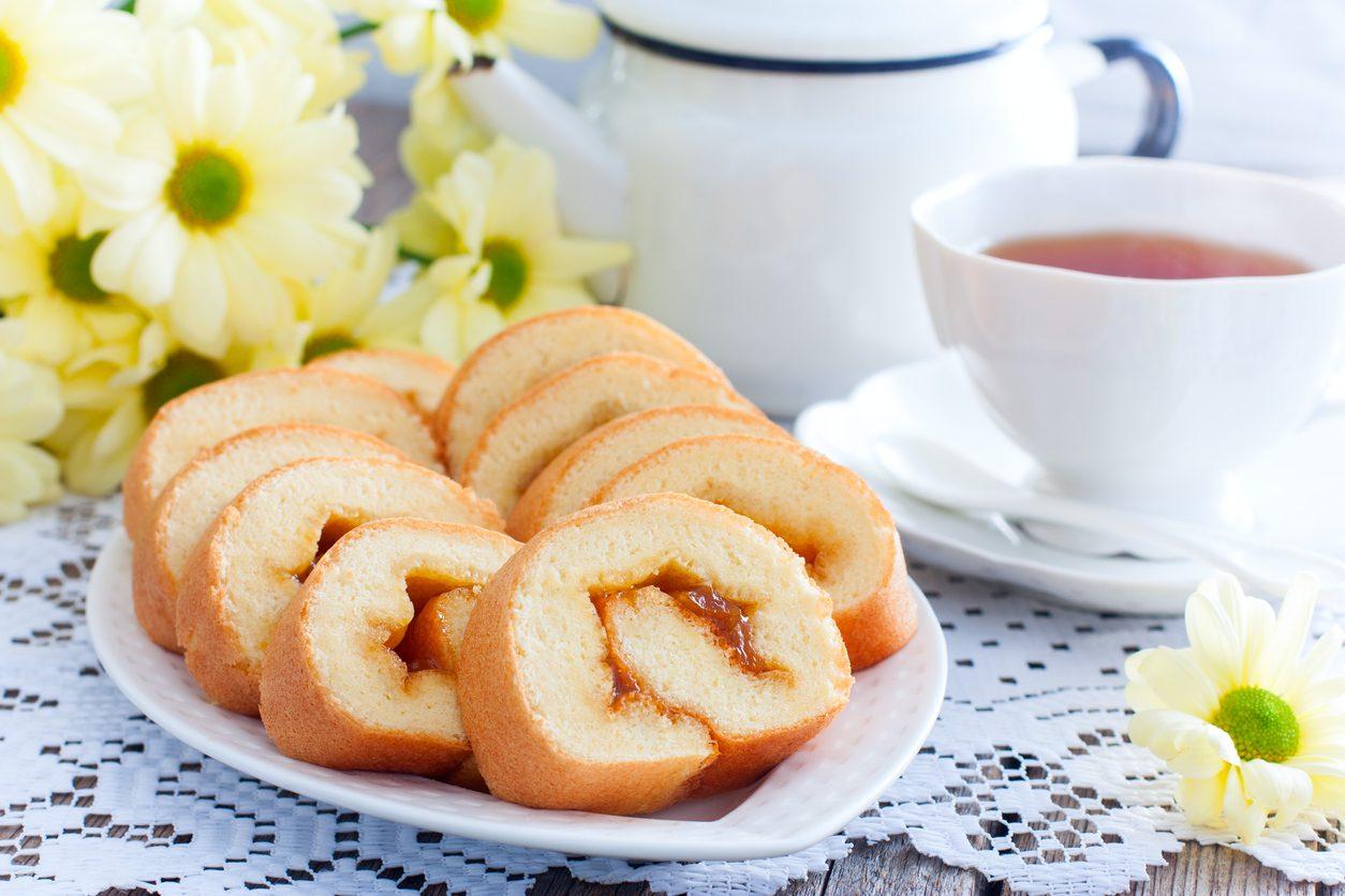 Rotolo all'albicocca: la ricetta di un dolce per la merenda sano e genuino