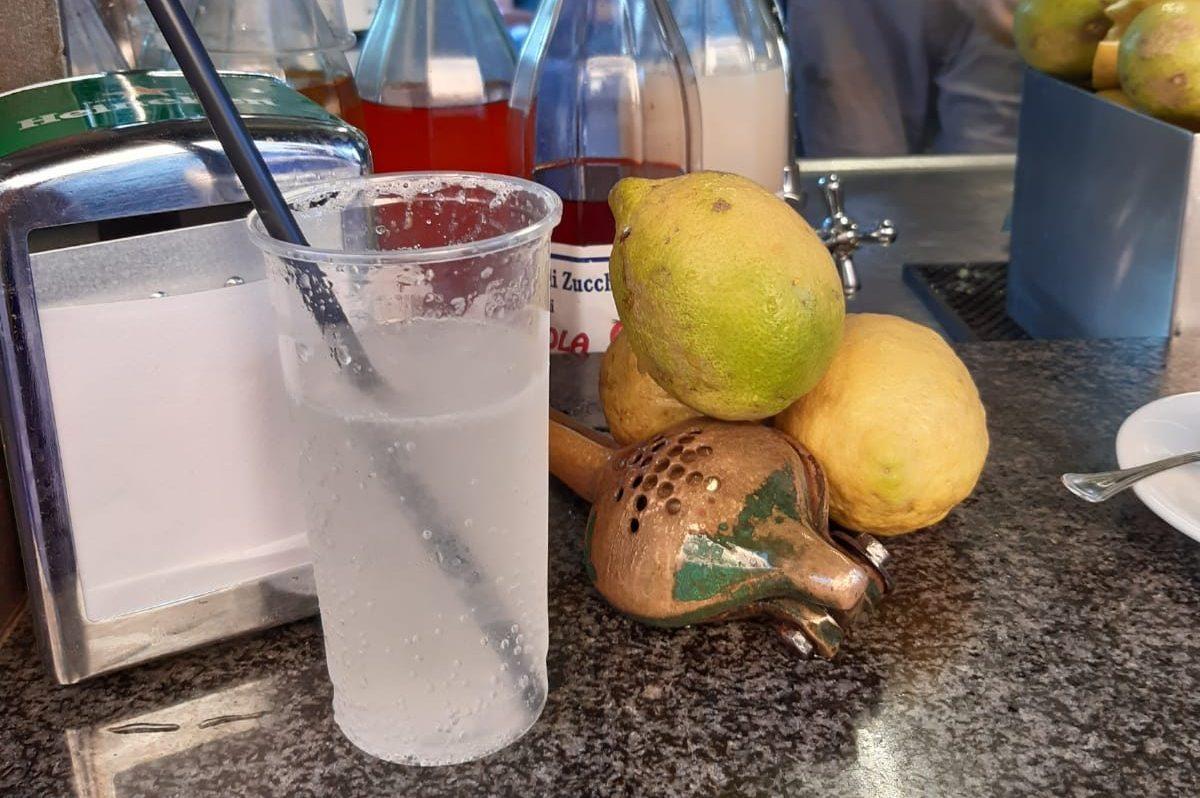 Seltz, limone e sale: storia del drink catanese che si beve ai chioschi