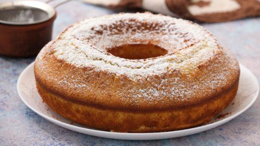 Ciambellone al kiwi: la ricetta del dolce soffice e veloce