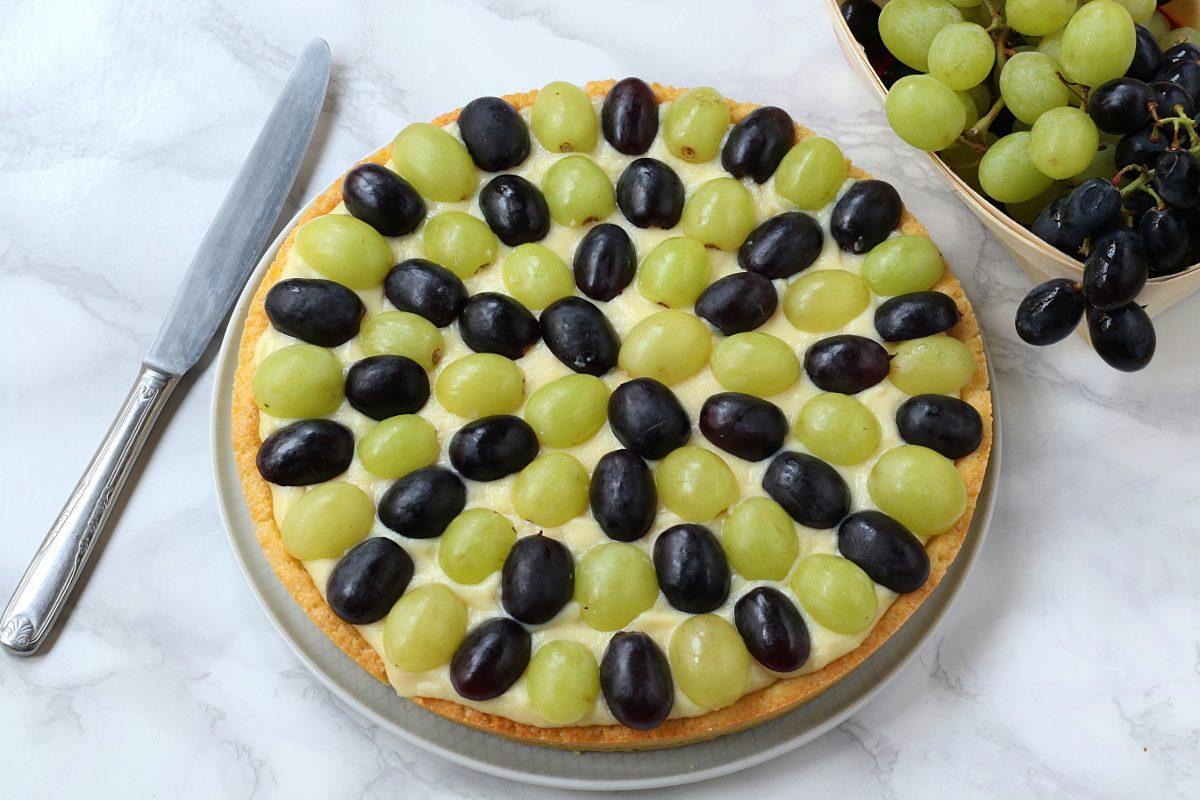 Servire la crostata d'uva
