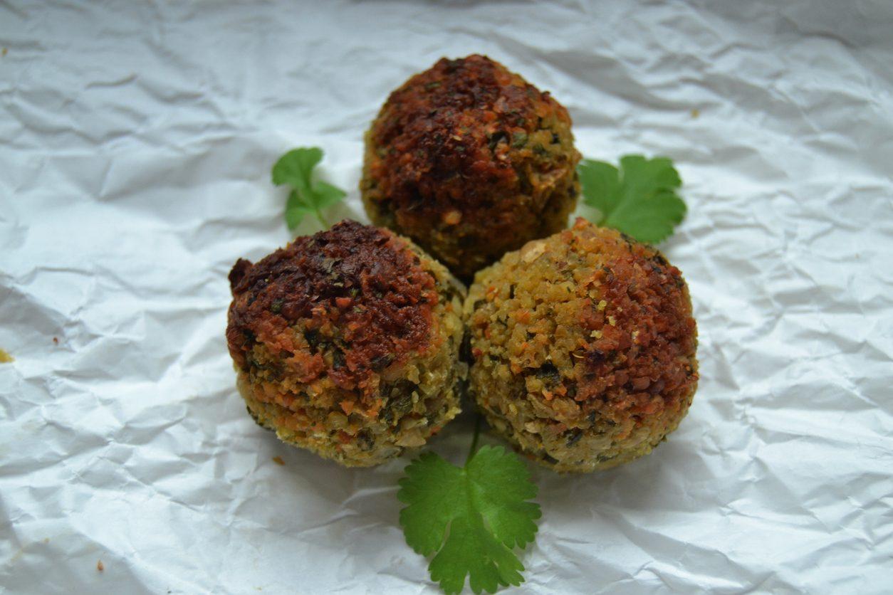 Polpette ceci e spinaci: la ricetta del secondo piatto vegetariano semplice e delizioso