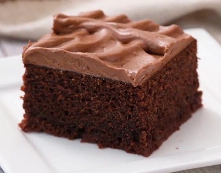 Torta zucchine e cioccolato: la ricetta del dolce morbidissimo e delizioso