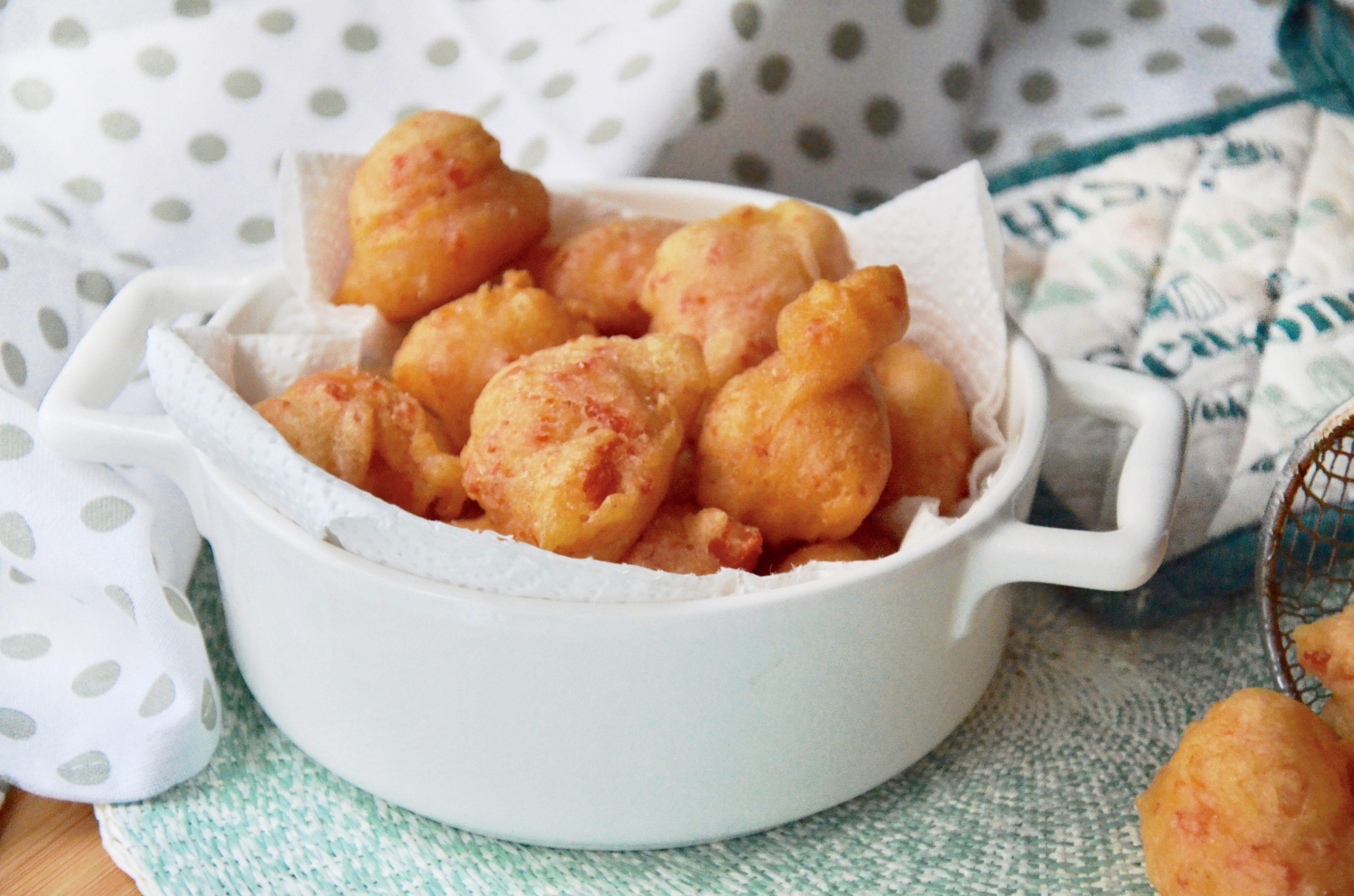 Zeppole con peperoni: la ricetta dello sfizio fritto goloso e irresistibile